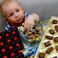 Сладкое детям вредно или полезно?