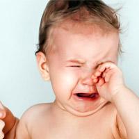 Почему плачет маленький ребенок