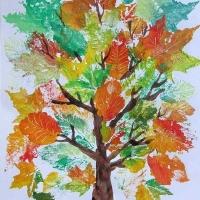 Детские рисунки листьев